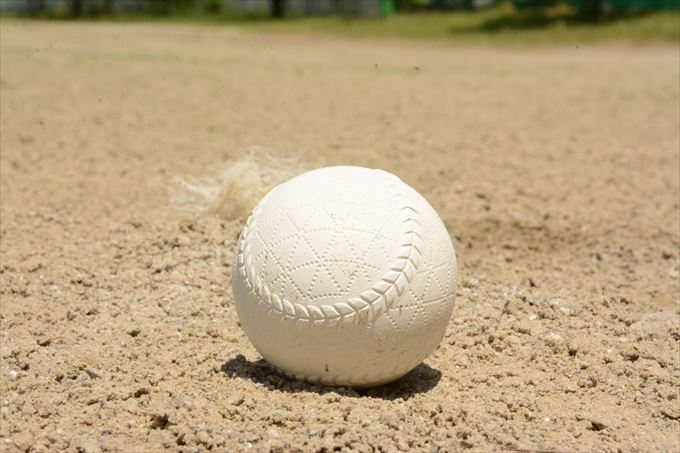 少年野球で練習が雨の日はDVDを用いて指導しよう