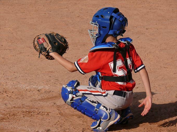 少年野球のキャッチャーの捕球姿勢と捕球のコツ