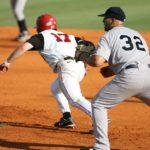 少年野球の足が遅い子供が盗塁を成功させる一つのプレイ