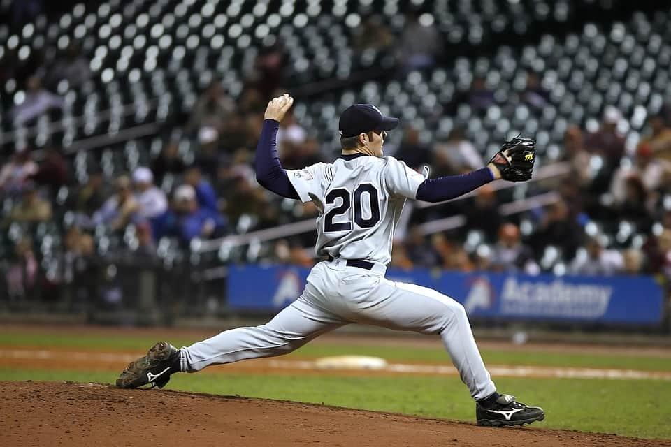 少年野球で意識するピッチャーの投げ方とたった一つの練習メニュ